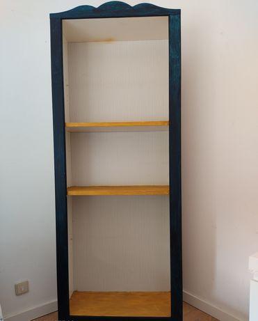 Armário para quarto, escritório ou sala. Usado