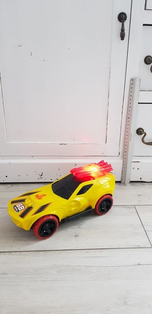 Duże auto Hot Wheels