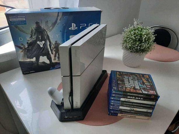 Konsola PS 4 plus 2 pady plus 9 gier
