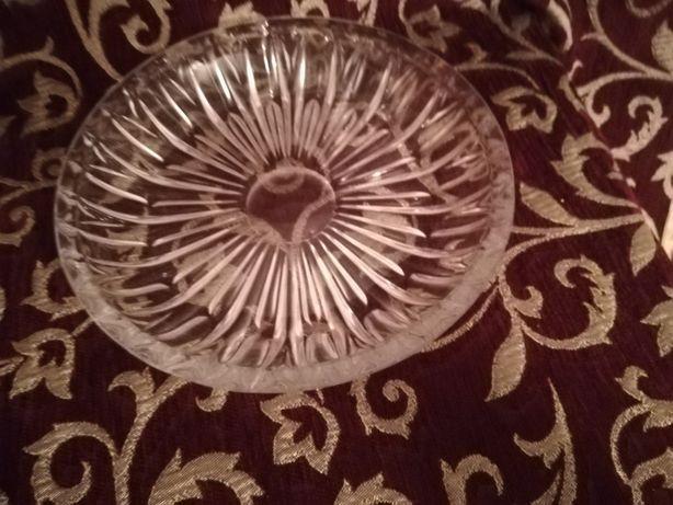Półmisek-patera z ciętego szkła