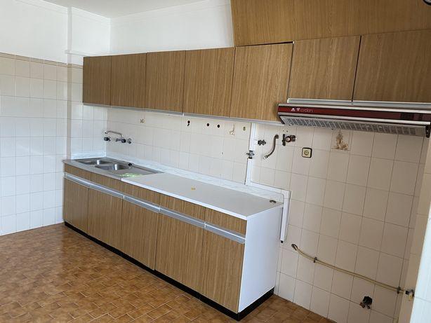 Cozinha usada para desocupar