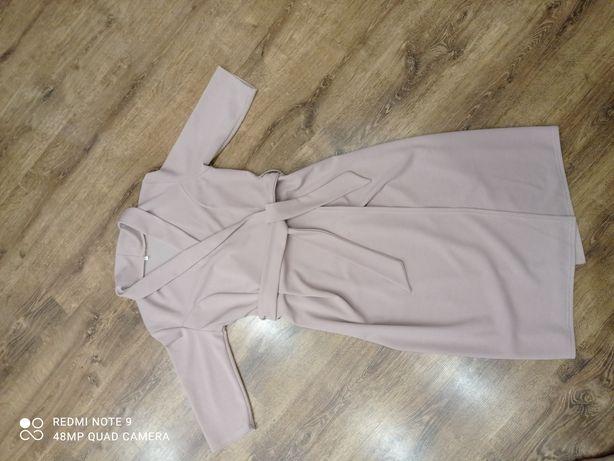 Елегантна жіноча сукня