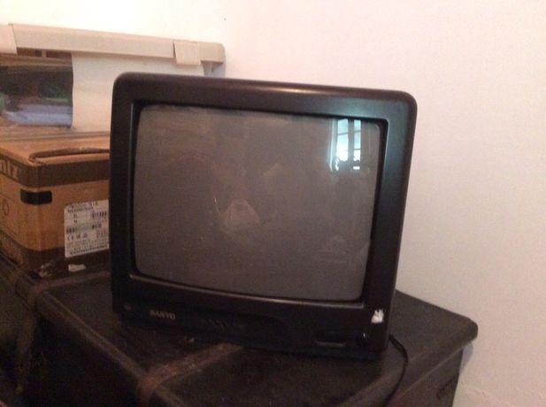 Duas televisōes