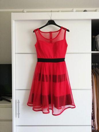 Czerwona elegancka tiulowa sukienka