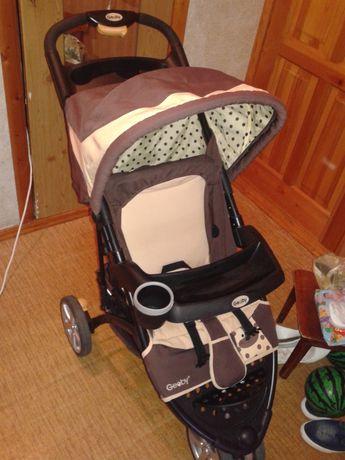 Продам детскую прогулочную коляску Geoby в отличном состоянии