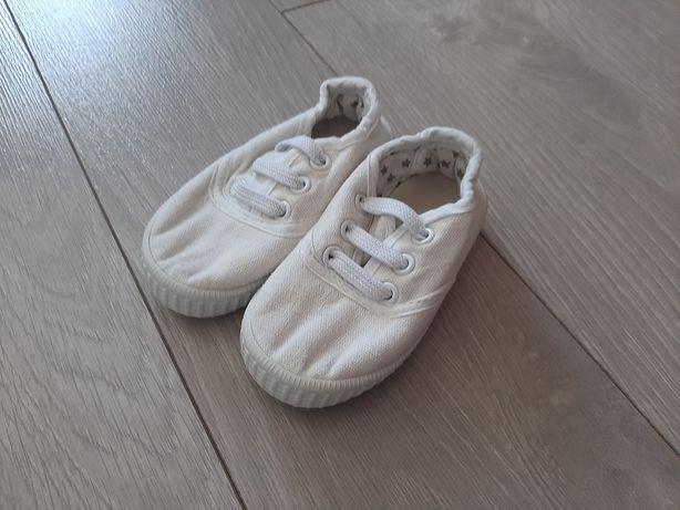 Продам кеды для малыша