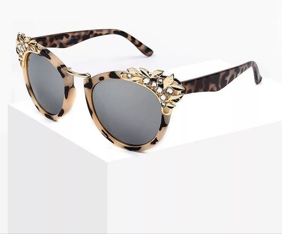 Óculos novos de sol