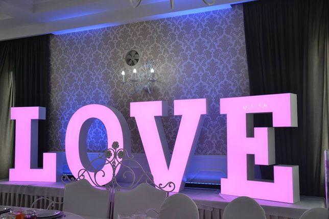 Napis love , miłość