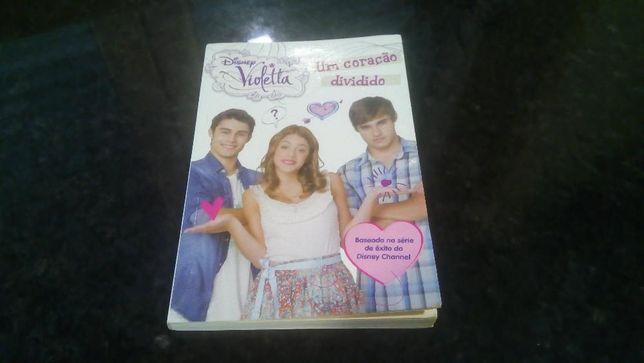 Livro da coleção Violetta