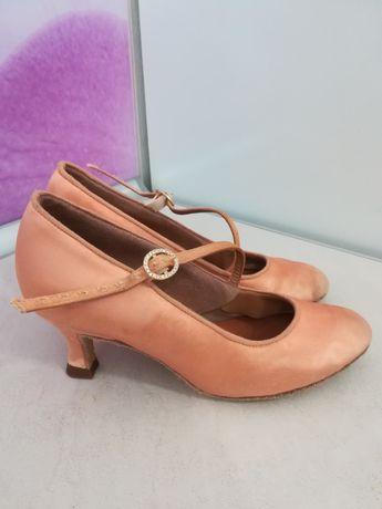 Туфли стандарт International По стельке 21,5-22 см