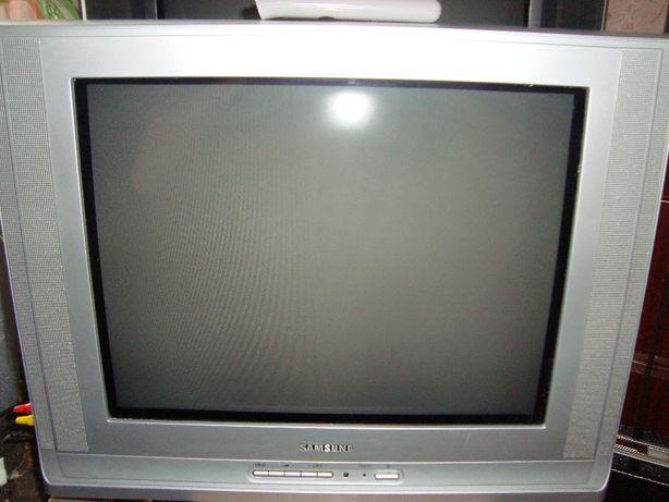 Телевизор SAMSUNG, плоский кинескоп 54 см. Мало работал..