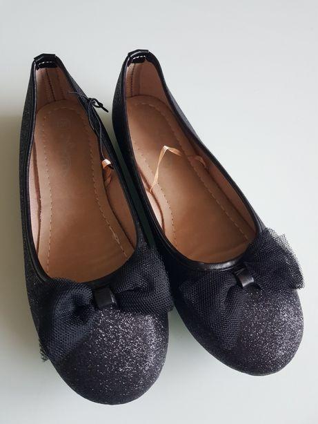 Baleriny czarne z brokatem 35