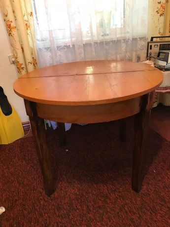 Продам стол круглый, деревянный