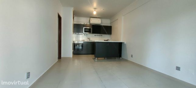 Almada (Rotunda dos Bancos), Apartamento T1