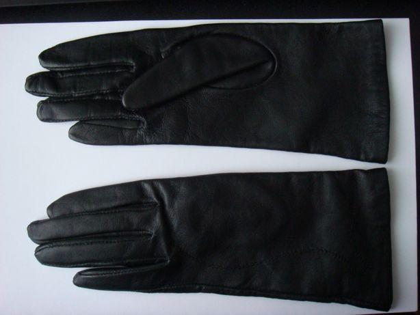 Натуральные кожаные перчатки на маленькую руку.