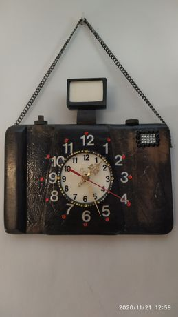 Zegar ścienny aparat