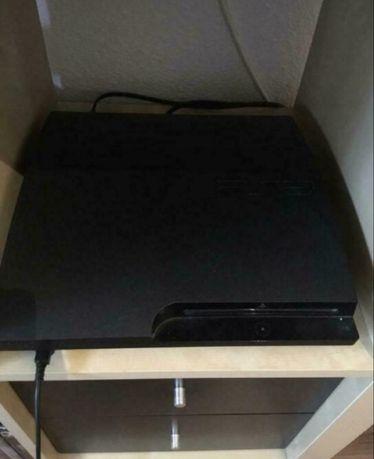 Playstation 3 / 300GB / 2 Pady / 8 gier