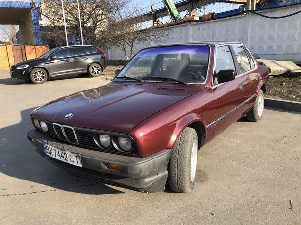 Продаю БМВ Е30