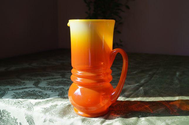 Dzbanek, wazon pomarańczowy Pijaczewska PRL