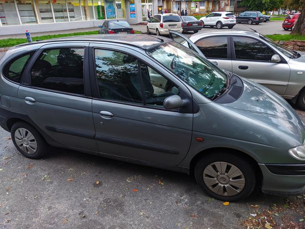 Обмен /продажа Renault scenic 1,6 газ/бенз экономный минивэн