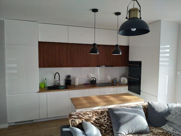 Meble na wymiar, kuchnie, łazienki, zabudowy- Producent
