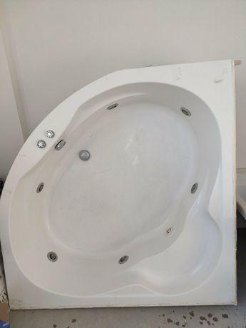 Ванна с гидромассажем (джакузи)