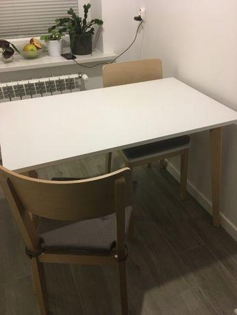 stół + dwa krzesła BRW