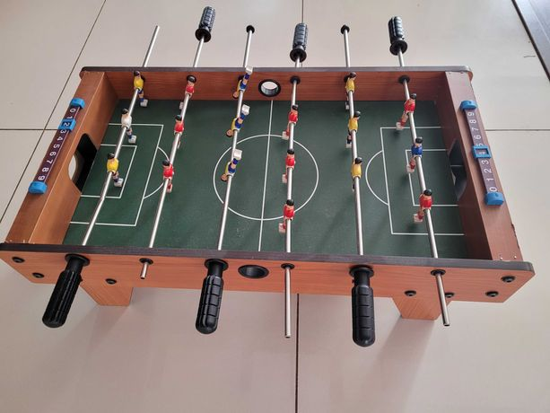 Piłkarzyki, stół do piłkarzyków