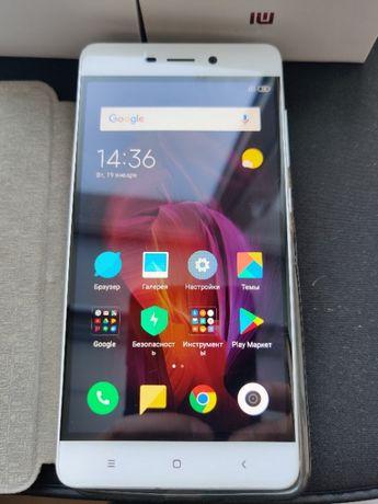 Телефон смартфон Xiaomi Redmi 4 2/16Gb Белый (серебристый)