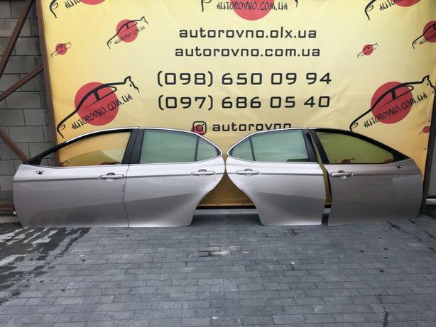 Toyota Camry 70 Дверь передняя задняя Камри 70 Дверь камри gold