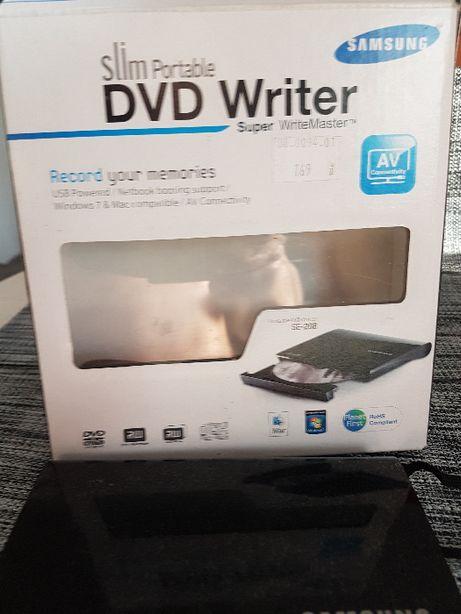 Nagrywarka DVD SE 208 (Używana może 1-2 razy)