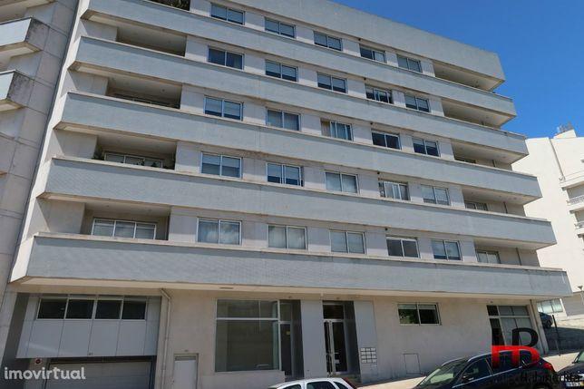 """Apartamento T5 construção """"Ferreira dos Santos"""""""