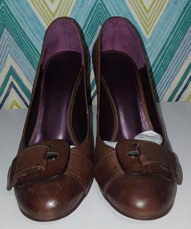 Sapatos Globe em pele, 35