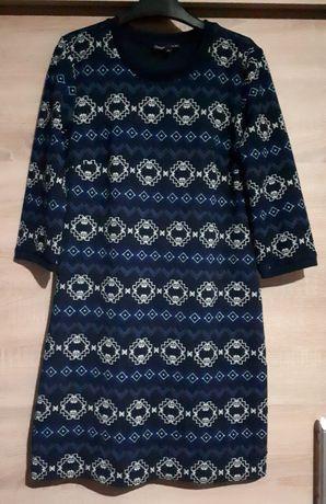Sukienki XS-S 15 zł całość