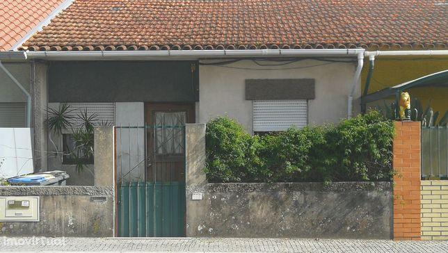 Moradia T2, próximo ao Lidl de Nogueira da Maia, com inquilino