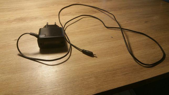 Ładowarka sieciowa Nokia AC-3E (starego typu)