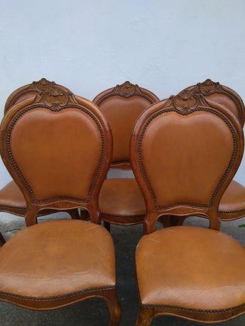 5 cadeiras de madeira trabalhada