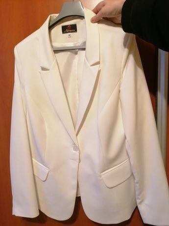 Żakiet biały piękny!!