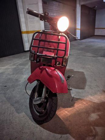 "LML 125 (Automática) ""replica"" Vespa"