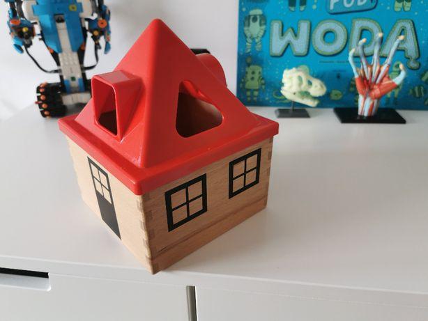 Ikea Mula skrzyneczka sorter kształty drewniany domek puzzle układanka