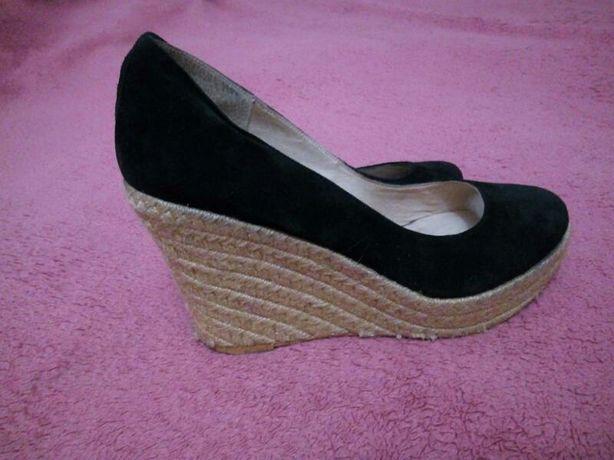 Замшевые туфли на соломенной подошве 39-40р