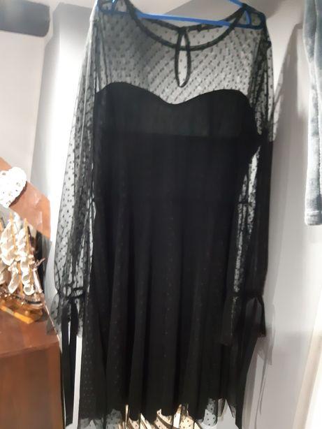 Czarna sukienka koronka świąteczna