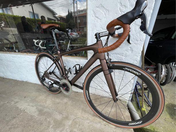 Bicicleta BH ciclismo