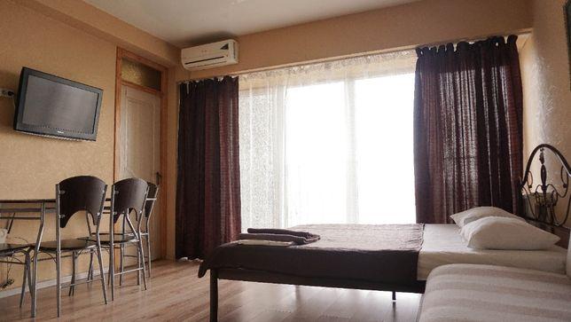 Сдам посуточно, понедельно 2-к квартиру в центре Днепра (А.Поля 27д)