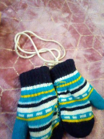 Детские перчатки на канаточке