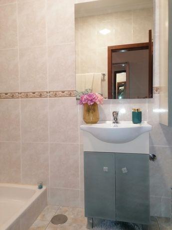 movel casa banho torneira espelho