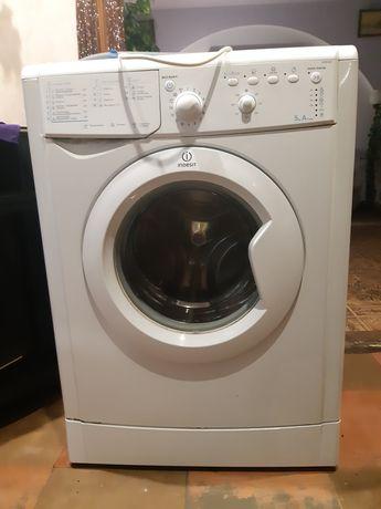 Продам стиральную машинку