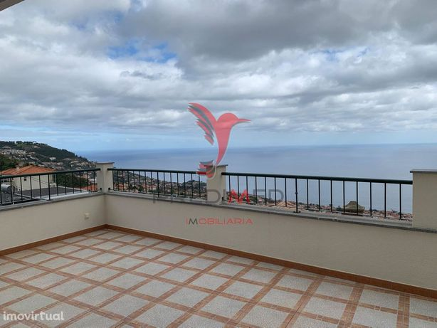Moradia Geminada T3+1 no Funchal - Ilha da Madeira