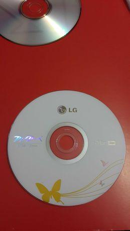 Диски новые DVD-R 4,7 Gb, CD-RW 700Mb.