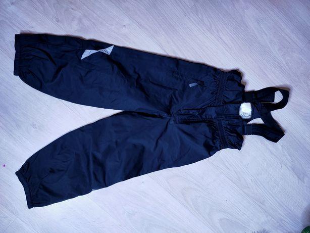 Reima полукомбинезон, штаны зимние, р 122, для девочки или мальчика